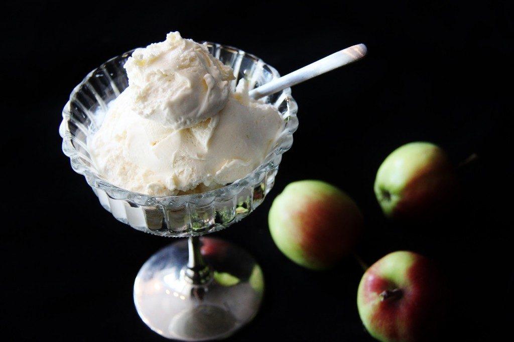 omenapiirakka jäätelö