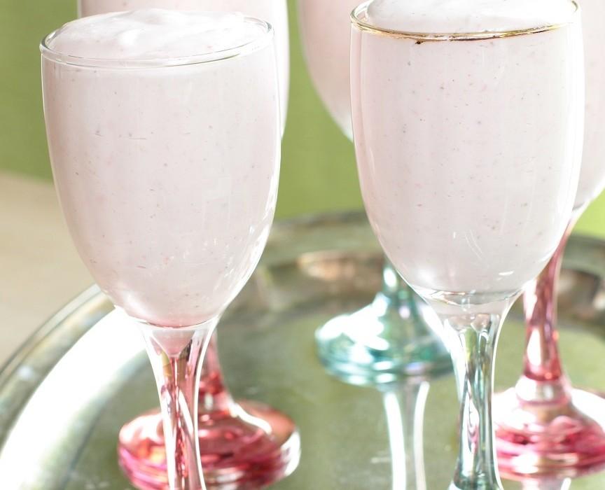 Mansikka-jogurttihyytelö