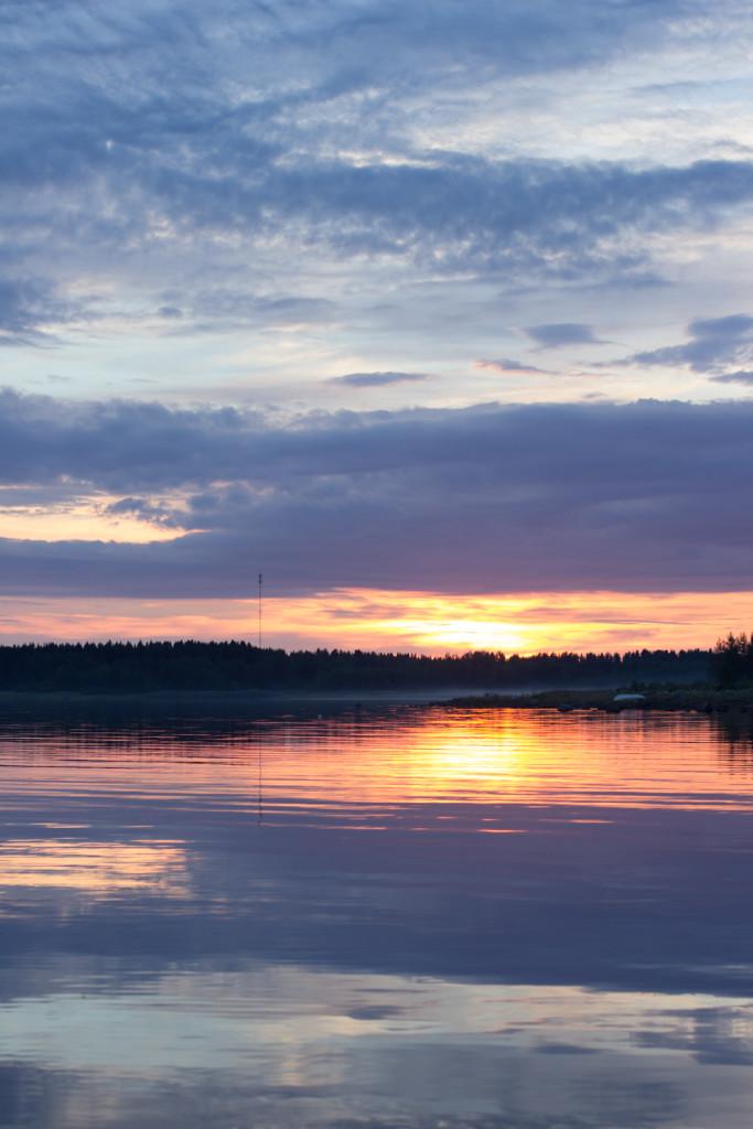 Meren-maku-auringonlasku