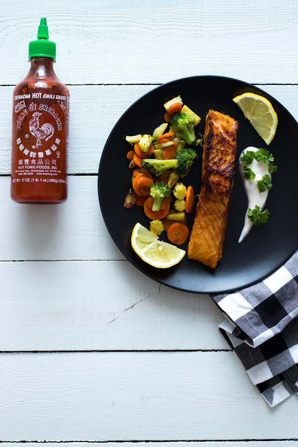 Sriracha-lohi-ja-wokkivihannekset
