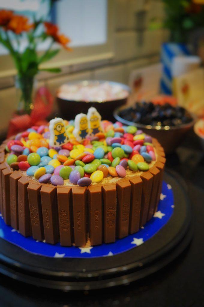 minion-kit-kat-kakku