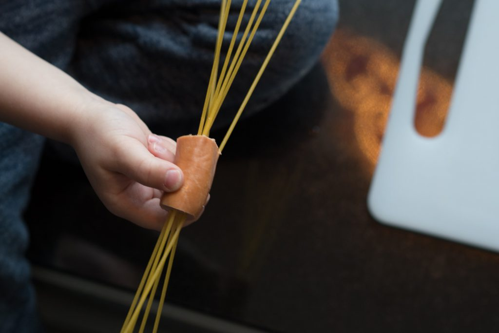 Spagetti-nakit