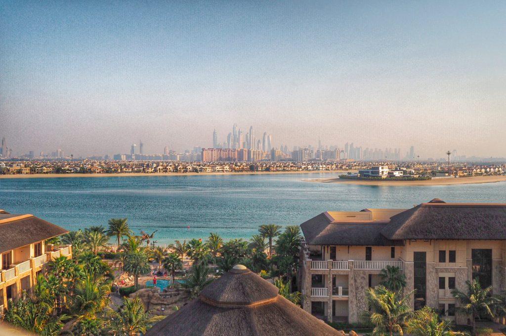 Näkymät kohti Dubai Marinaa