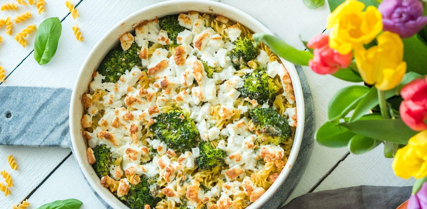 Pastagratiini parsakaalilla ja fetajuustolla