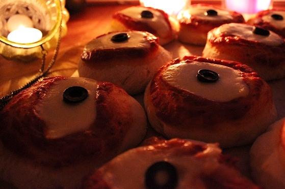 Silmämunapizzat