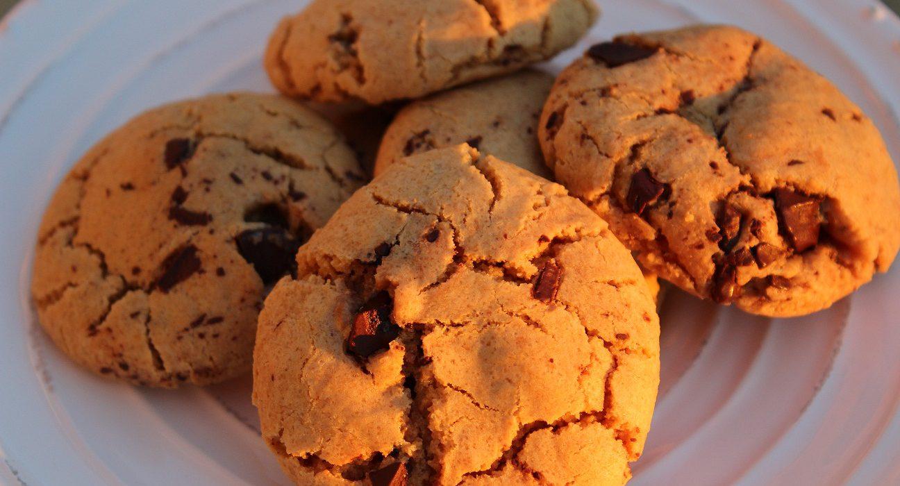 Maapähkinävoi-suklaahippukeksit