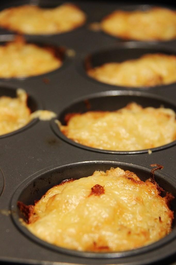 Tarjoa muffineja pääruoan kanssa, perunoiden sijaan