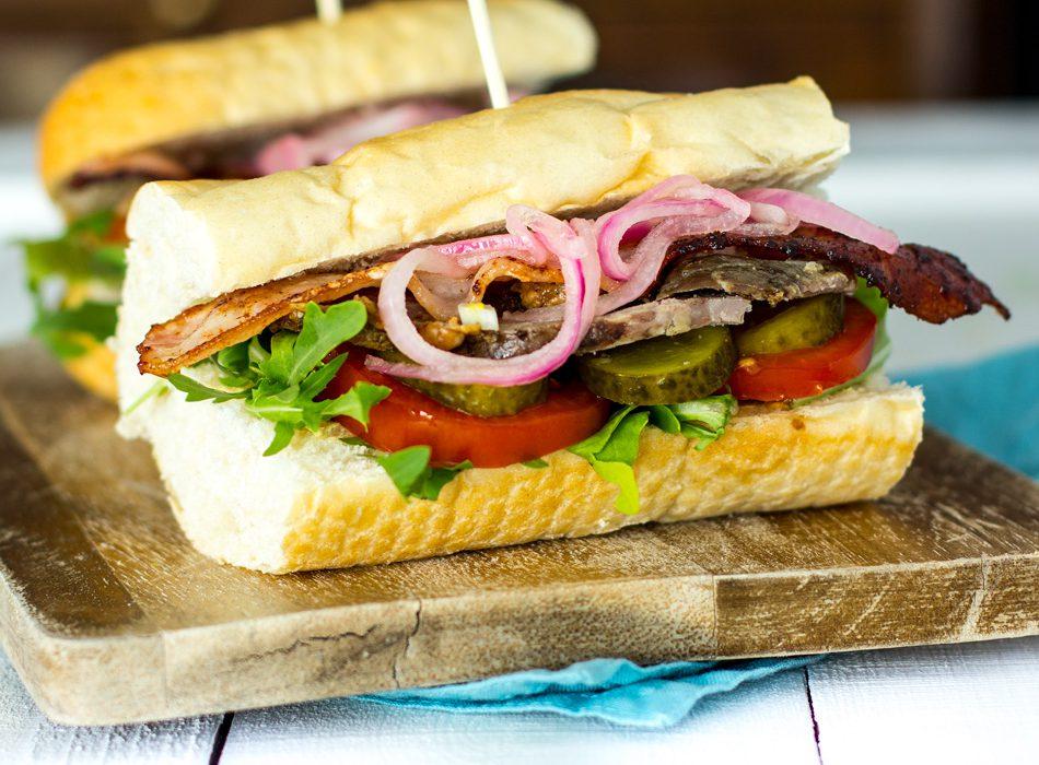 X-Files ja Roast Deli Sandwich
