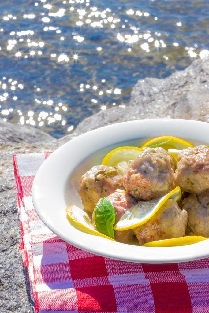 Sitruunaiset-lihapullat meren maku kirja