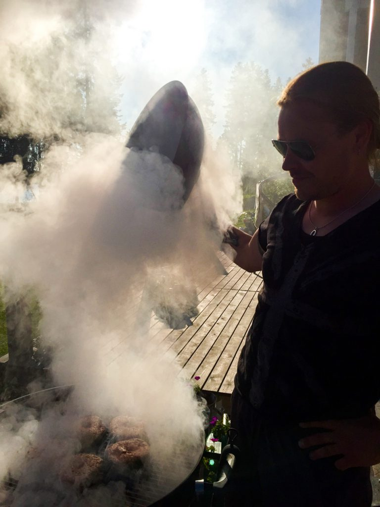 Savu-nousee-grillistä