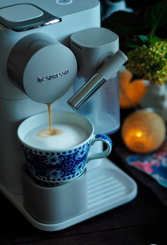 suklainen nespresso latte macchiato sweet food o mine. Black Bedroom Furniture Sets. Home Design Ideas