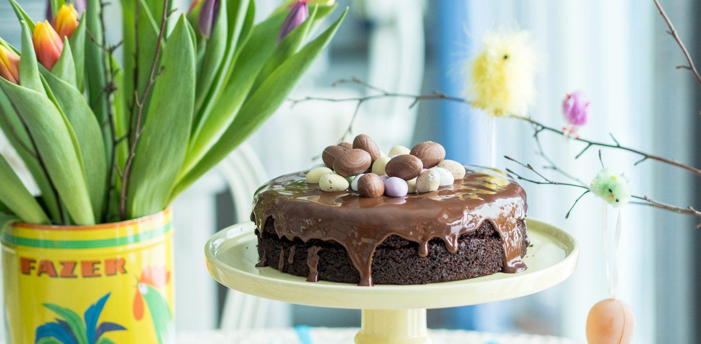 Pääsiäisen mehevä suklaakakku härkäpavusta