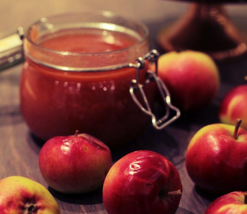Toffee omenahillo eli omenahillo uunissa