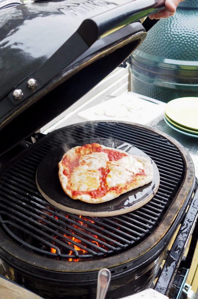 Pizza-margherita-grillissä