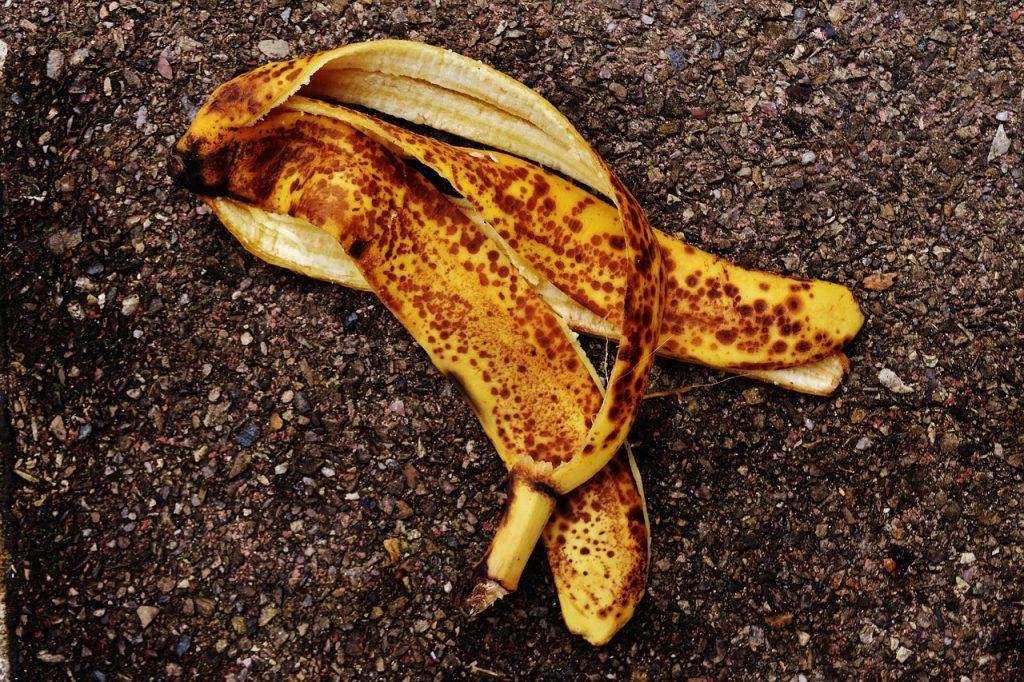 banana-peel-1735083_1280