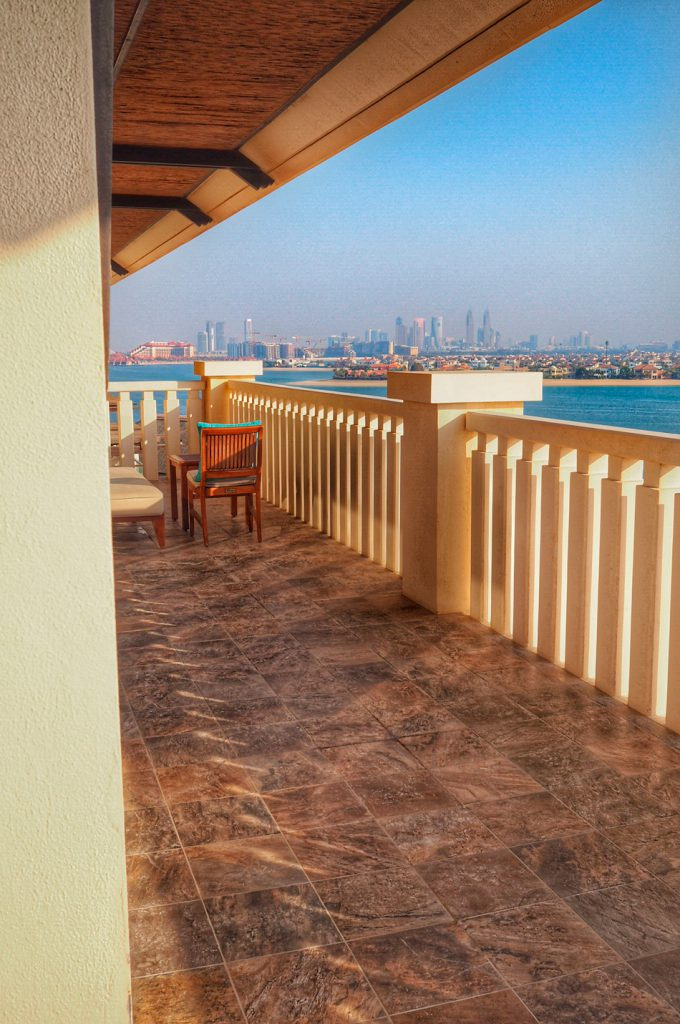 Sofitel-Dubai-The-PAlm-luxury-apartments-parveke